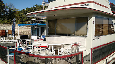1987 GIBSON HOUSEBOAT - 36 foot - Volvo Penta under 700 hours - Great Boat