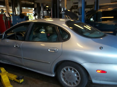 Ford : Taurus 4 door 97 ford taurus silver mist color automatic 3.0 dohc 4 door power window