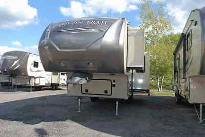 New 2015 Canyon Trail 26FRKW 5th Wheel Camping trailer