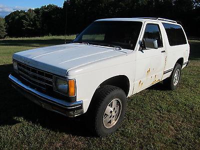 Chevrolet : Blazer Base Sport Utility 2-Door 1989 chevrolet s 10 blazer 4 x 4 2 door 00 4.3 v 6 true vortec 190 hp 250 ft lb 700 r 4