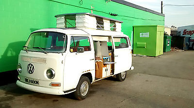 Volkswagen : Bus/Vanagon Devon Moonraker Right Hand Drive 1972 Volkswagen Camper. Devon Moonraker.