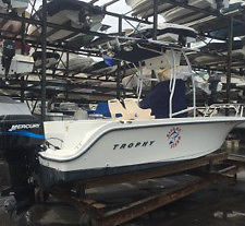 20' Center Console Fishing Boat with Outriggers, Electronics & Livewell