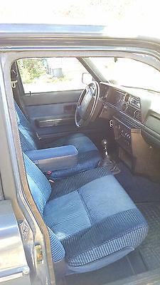 Volvo : 240 Base Wagon 4-Door 1993 volvo 240 wagon 5 speed