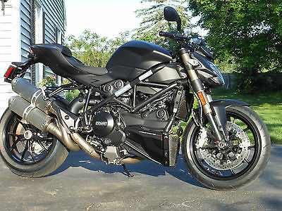 Ducati : Other DUCATI 848 Streetfighter Black,excellent,like new conditionand Stock
