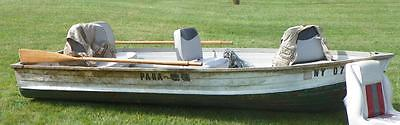 Vintage 1962 12 ft STARCRAFT Aluminum fishing row boat w/ Oars water tight