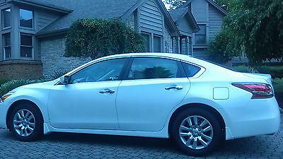 Nissan : Altima S Sedan 4-Door 2014 nissan altima s with 2968 miles white excellent
