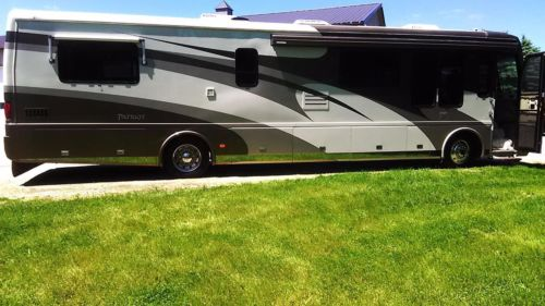 2002 Beaver Princeton Patriot. Luxury Motor Coach RV. Ultra Low Mileage..