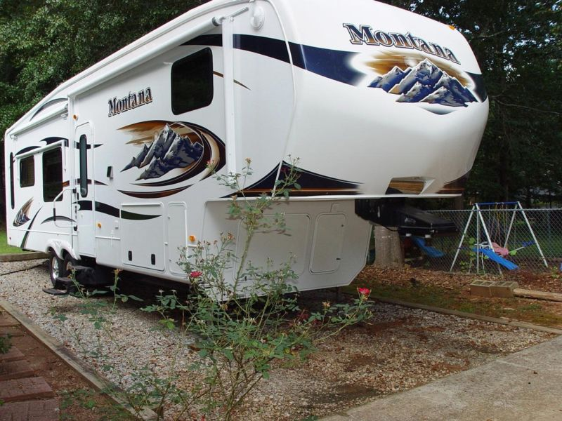 2011 Montana Fifth 5th Wheel Hickory Series Model 3400RL