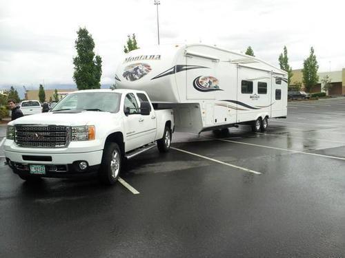 2011 Keystone Montana Mountaineer