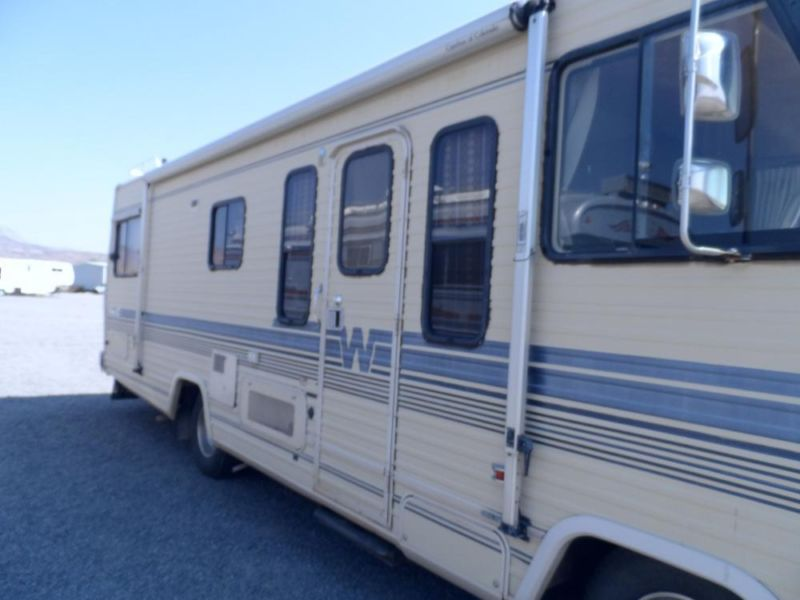 img_LWg99hGBH1 1985 winnebago motorhome rvs for sale 1985 Chevy Motorhome 26 Foot at panicattacktreatment.co