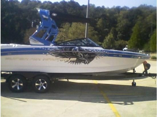 2013 Super Air Nautique 230 Team Edition