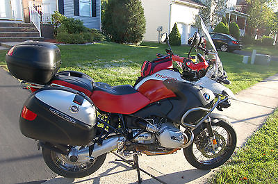 BMW : R-Series R1200GSA 2007 Red / White, with Givi Cases, New Pilot 4 tires