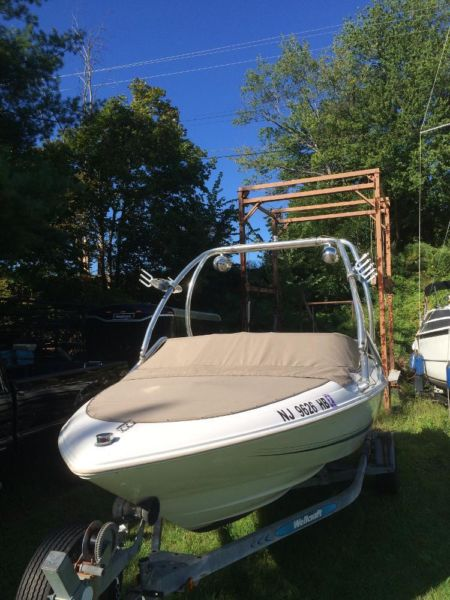 1997 Wellcraft Excel 21SX Bowrider with Wakeboard Tower
