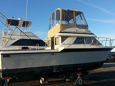 1984 Chris Craft 315 Commander - Nice Fishing Boat in Need of A Little TLC