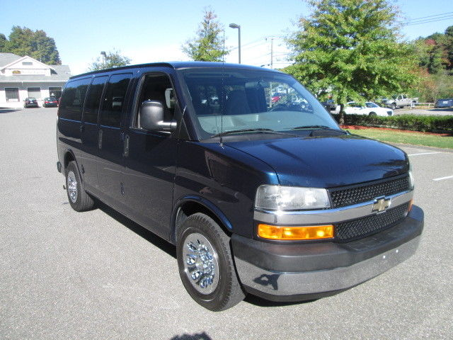 Chevrolet : Express AWD 1500 135 2009 chevy g 1500 express lt 8 pass awd van 76 k 1 owner clean car fax awd 5.3 v 8 ct