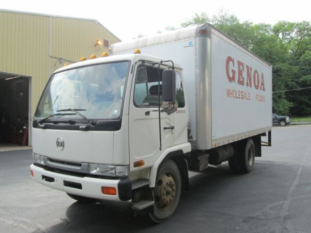 1995 Ud Trucks 2300