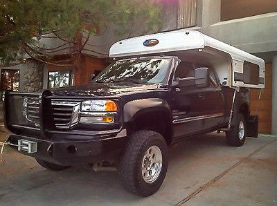 2006 GMC SIERRA SLT CREW CAB 4X4 W/ 2012 ALASKAN CAMPER & TRAILER