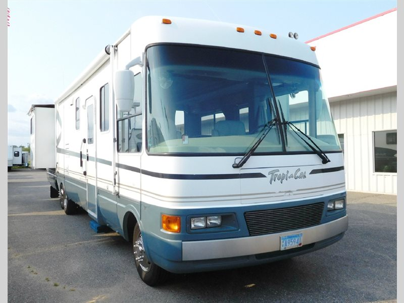 2005 National Rv Tropical 370