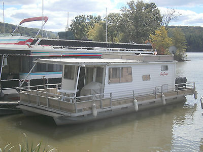 1975 Crest 35' House Boat