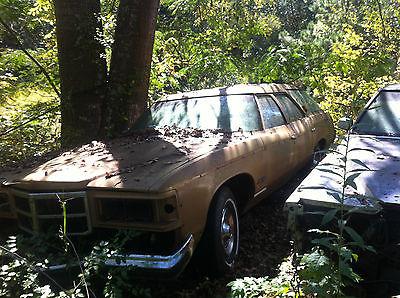 Pontiac : Other 9 passenger 1975 grand safari 9 passenger clam shell
