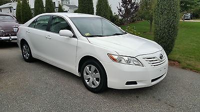 Toyota : Camry 4dr Sedan  2009 toyota camry 4 dr sedan 5 speed gasoline 2.4 l 4 cyl white 1 owner