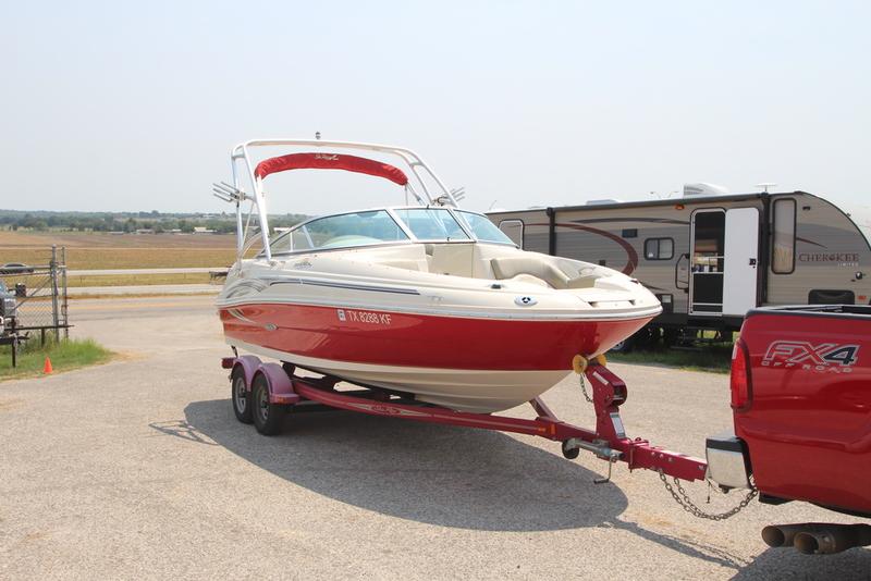 2005 Sea Ray Sundeck 200