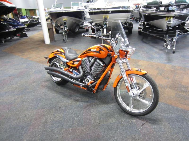 2013 Victory Jackpot in Excellent Condition w/Onlyl 4094 Miles!