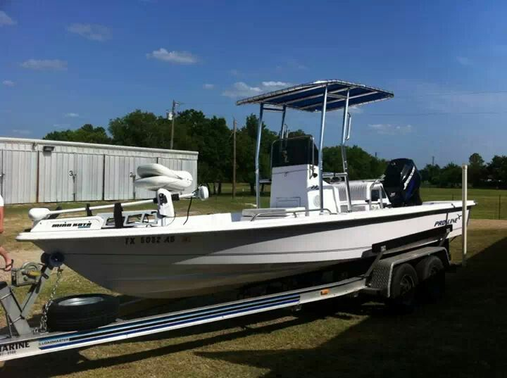 22ft Proline Center console