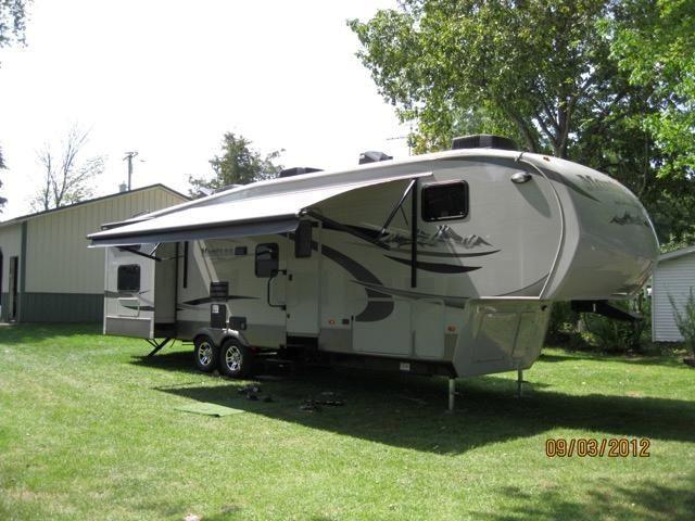 2011 36' Keystone Montana High Country – FINANCING!