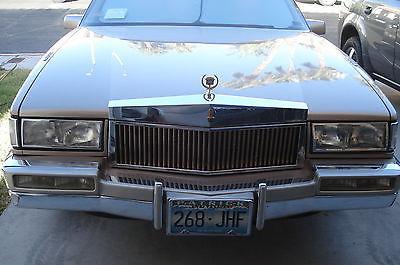 Cadillac : Fleetwood Base Sedan 4-Door 1990 cadillac fleetwood base sedan 4 door 4.5 l pristine 79.5 k antelope champagne