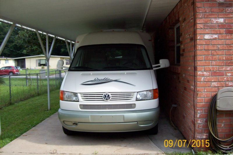 2002 Rialta Mini Winnebago Motorhome