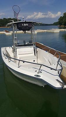 2002 Key West 2020cc Center Console Fishing Boat