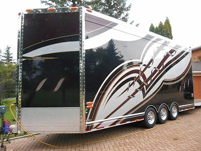 2004 Renegade 27' Coach Stacker Trailer - Looks Sharp - with A/C and Shower