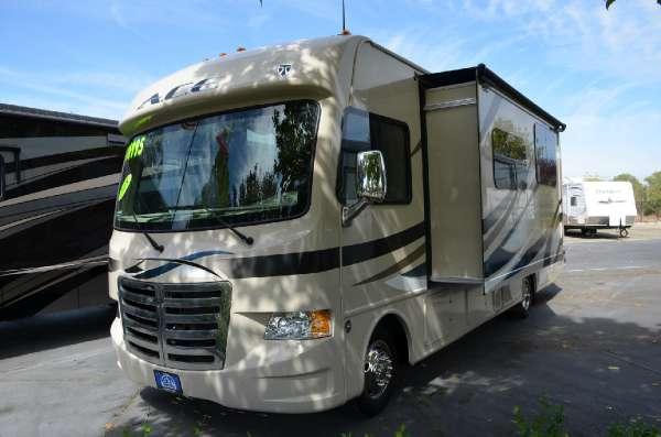Thor motor coach fourwinds hurricane 34s rvs for sale for Thor motor coach hurricane