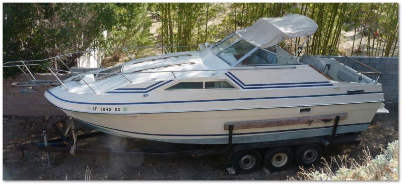 27.5 Foot BAYLINER Boat and large Trailer, Ocean Fishing Cabin Cruiser