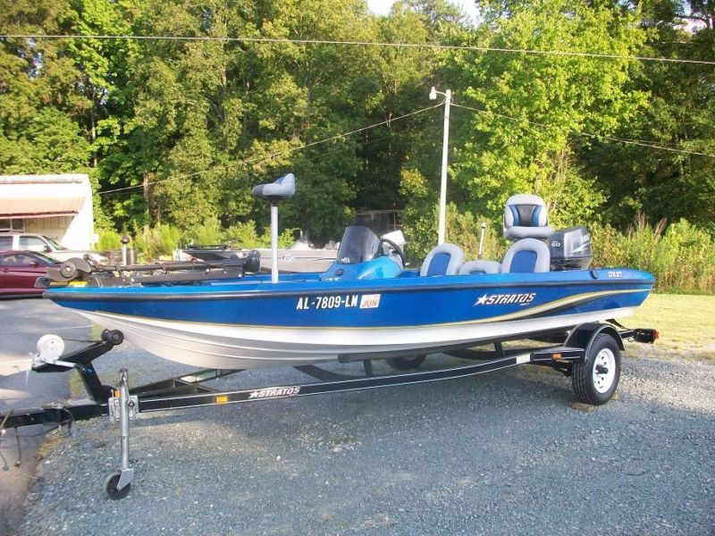 Stratos Fishing / Bass Boat