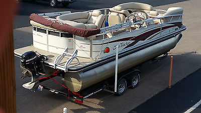 2010 SUNTRACKER PARTY BARGE 22' Regency Model 9.9 Mercury 4 Stroke Trailer