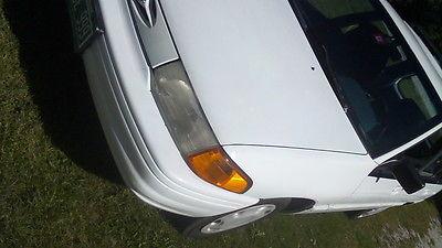 Ford : Bronco LX  1994 wagon ford escort 5 speed manual standard