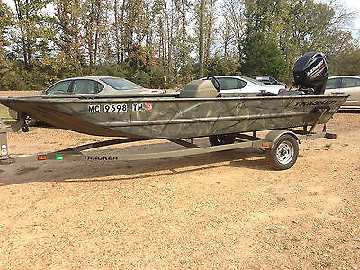 2013 17 ft Grizzly Tracker Camo Aluminum Boat