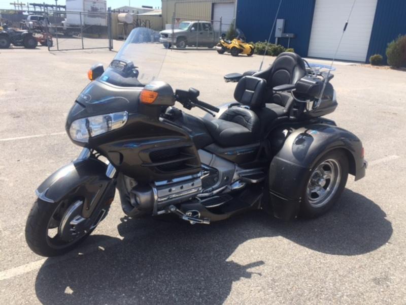 Goldwing trike motorcycles for sale in wichita kansas for Honda motorcycle dealership kansas city