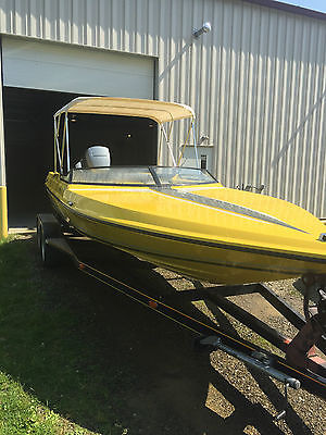 Fast & Clean Baja 220 Sport Yellow Speed Boat & Trailer New Interior Bose System