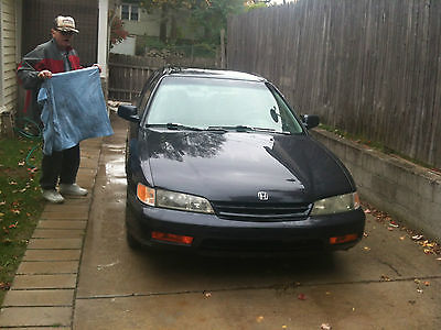 Honda : Accord lx body condition bad engine is really good just needs two front tires and breaks