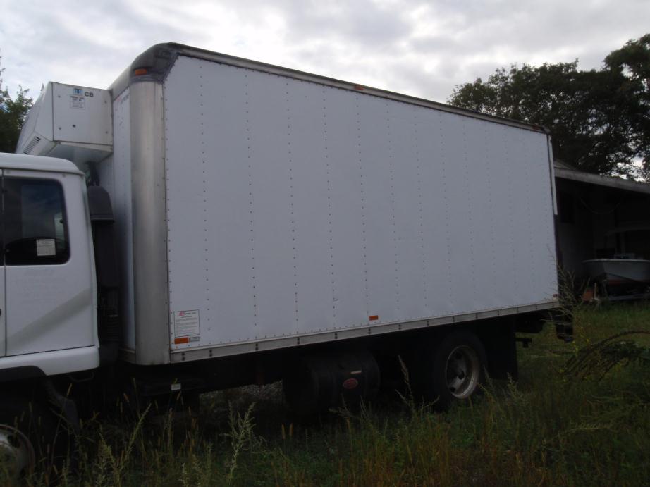 2001 Ud Trucks 2300dh