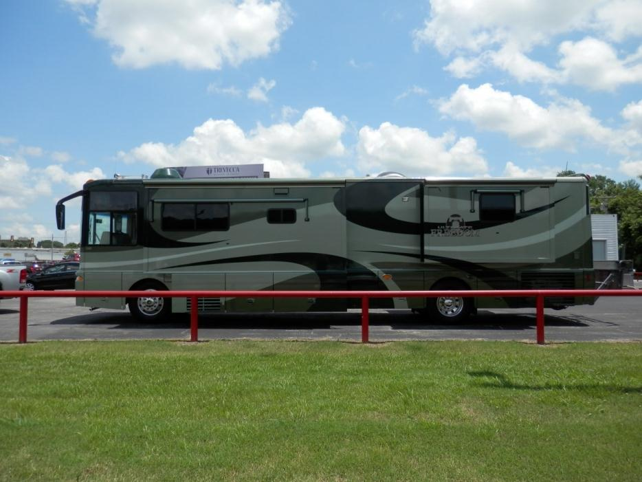 2003 Winnebago Ultimate Freedom 40