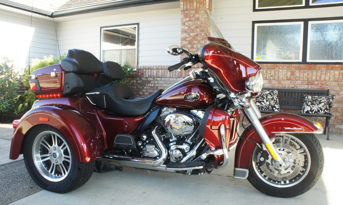 2016 Victory Cross Country Havasu Red with Clear Pear