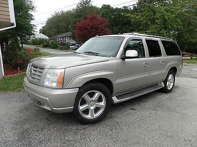 Cadillac : Escalade ESV 04 escalade 4 x 4 sunroof navigation parking assist 2012 wheels like new
