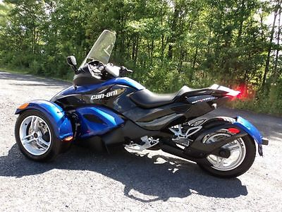 Can-Am : Can Am Spyder 2010 can am spyder laguna blue sound system led s nice
