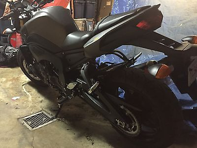 Yamaha : FZ Brand new condition all black naked type motorcycle low miles.