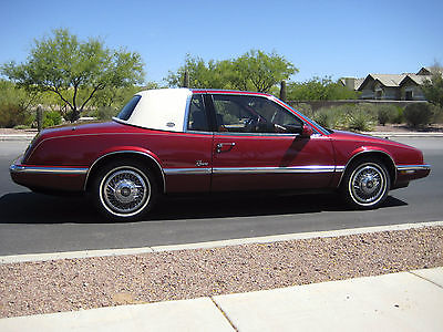 Buick : Riviera Luxury Coupe 2-Door 1992 buick riviera w 29 000 orig miles 2 nd senior owner mint condition