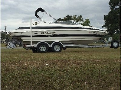 2007 Larson 228 LXI Bowrider Boat, 23' with 5.0 Volvo GXI, Trailer is Included